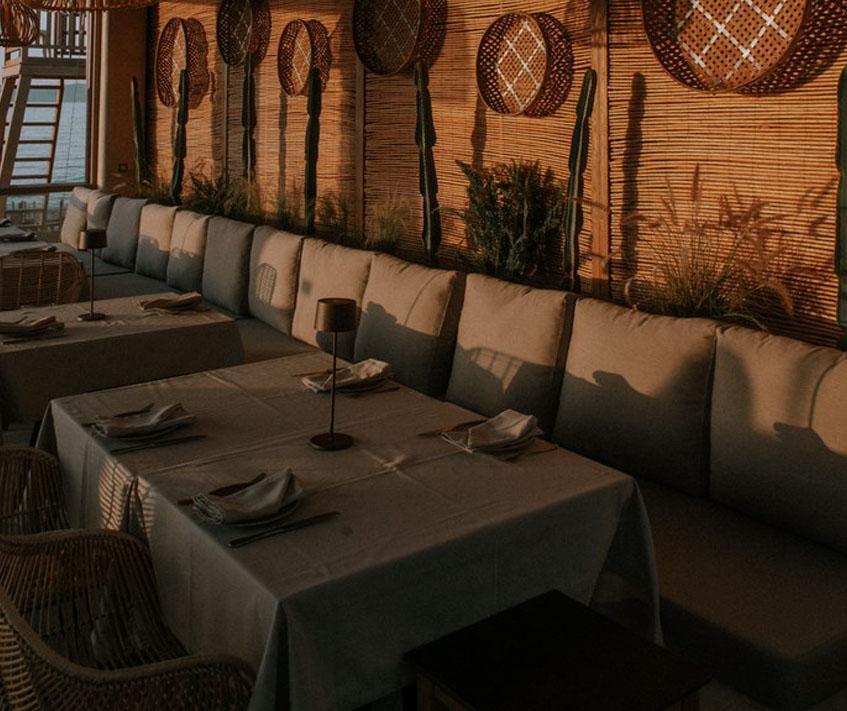 restaurant-reservation
